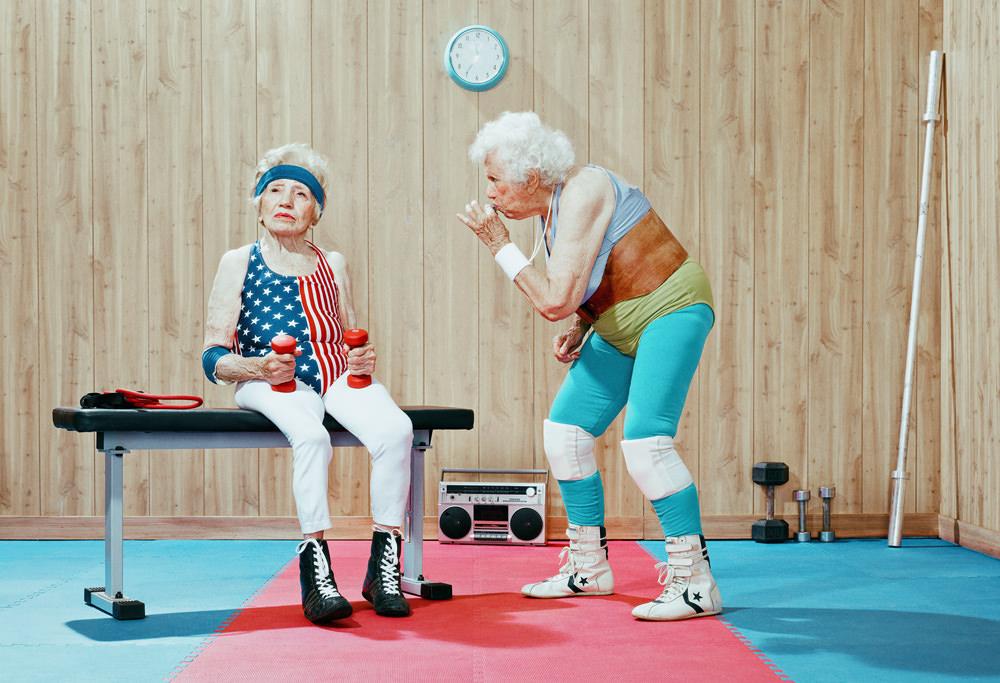 seniors faisant du sport