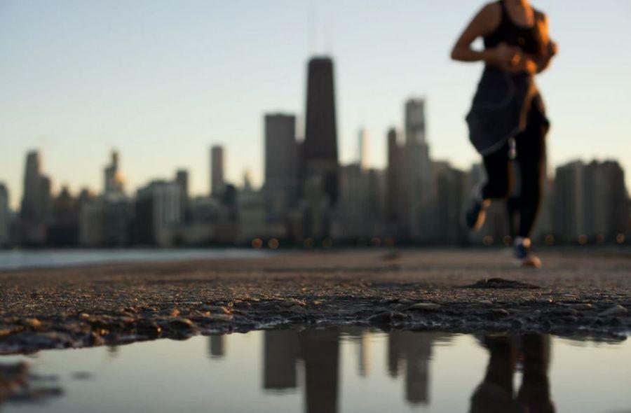 femme faisant un entrainement sprint pour maigrir